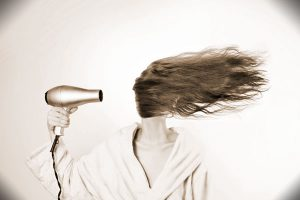 Kui soovid endale föönisoengut või hoopis tangidega, on Tuuletuka selleks õige koht.