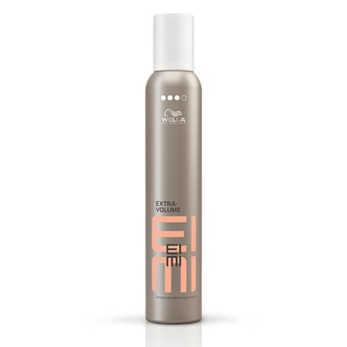 Wella Eimi Extra volume juuksevaht on püsiv ja kaitseb kuuma eest.